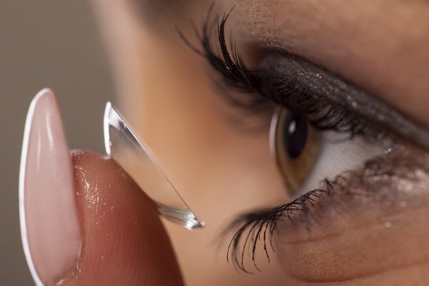 Smart Contacts Googles Investment In The Future Of Medical Technology Contact Lens