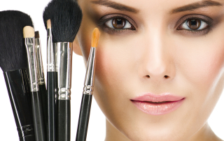 7 Tips for Eye Care Safety When Wearing Makeup