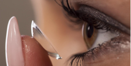 Lasik Eye Surgery vs. Contact Lenses