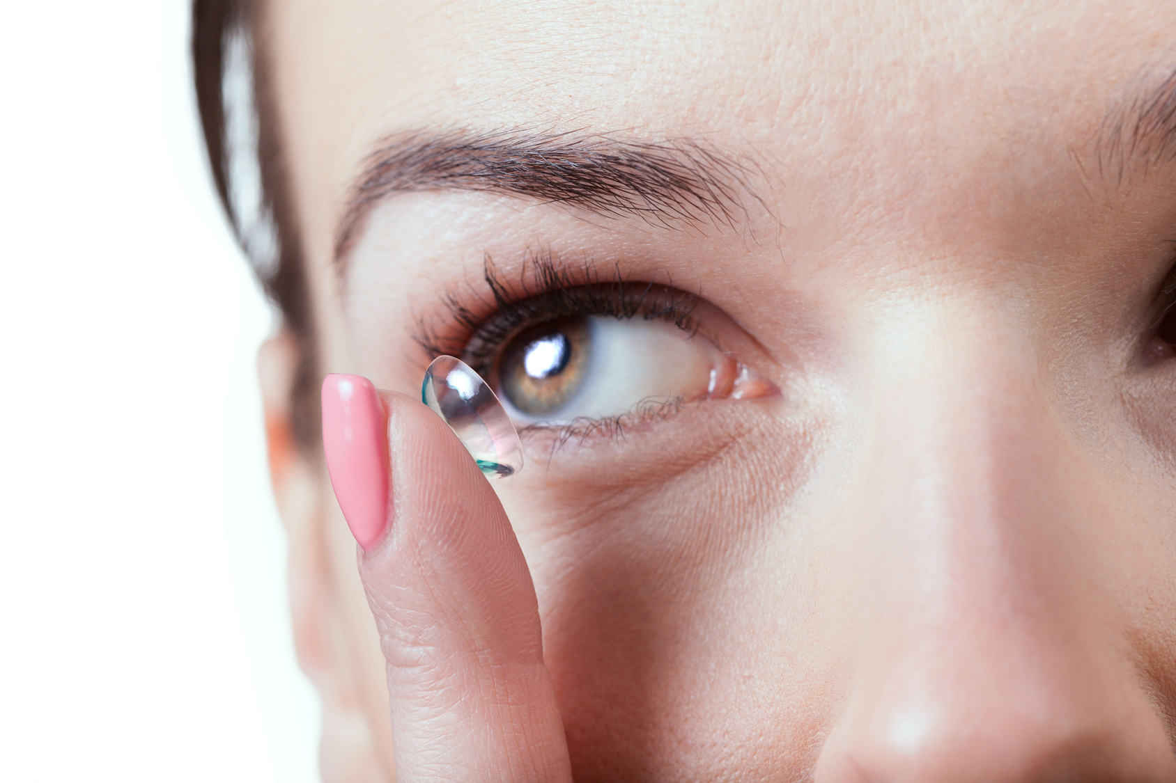 Varieties of Contact Lenses, Their Advantages and Drawbacks